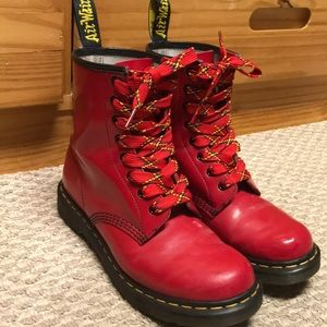 Dr Martens- candy apple RED size 9- GUC